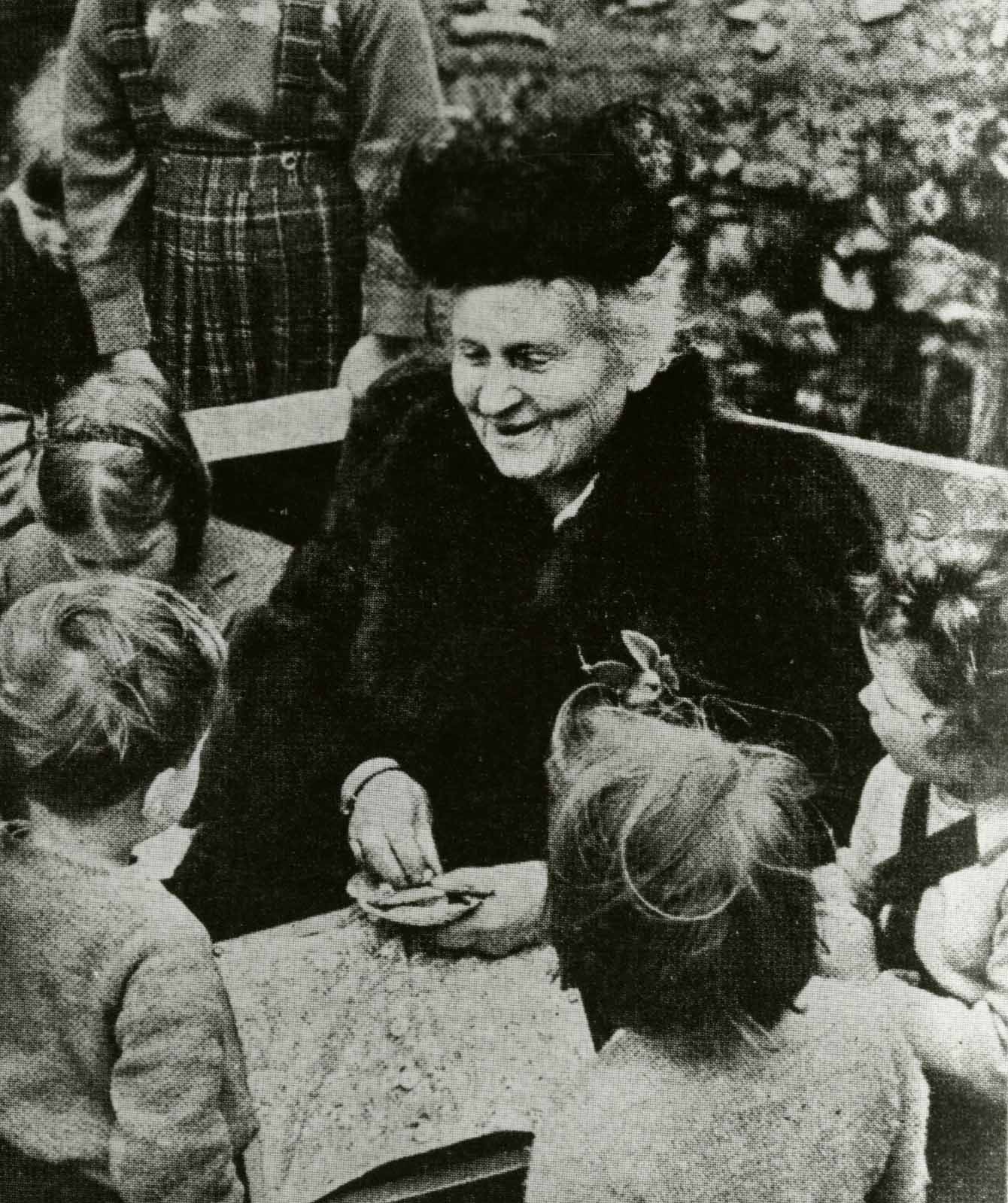 life and work of maria montessori Maria montessori was born on august 31, 1870, in the provincial town of chiaravalle, italy, to middle-class, well-educated parents at the time that montessori was growing up, italy held.