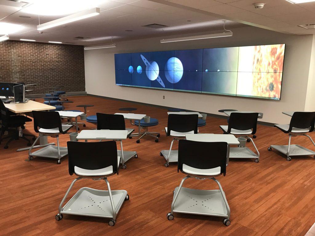 Photo of Visualization Studio (Room 1101), in Homer Babbidge Library